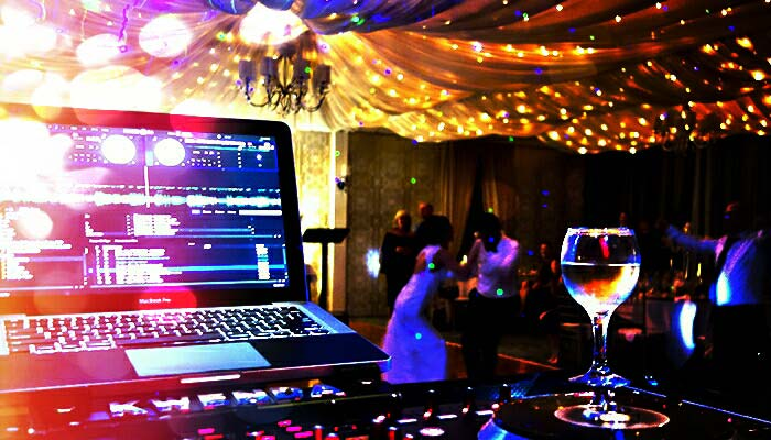 http://www.djkwenda.com.au/wp-content/uploads/2015/12/Best-Wedding-DJ-Kwenda-Bridal-Dance-Melbourne-Events-Party-Hire-Lighting.jpg
