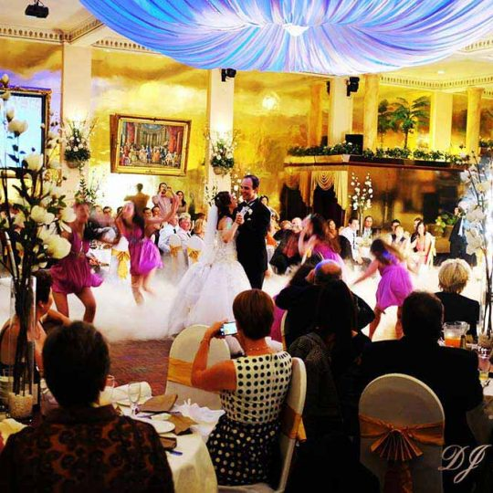 http://www.djkwenda.com.au/wp-content/uploads/2015/12/DJ-Kwenda-Happy-Receptions-Bridal-Dance-Melbourne-Matthew-Alison-540x540.jpg