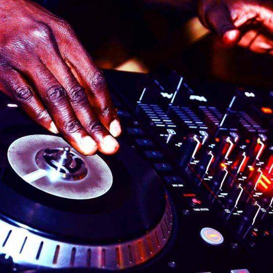 http://www.djkwenda.com.au/wp-content/uploads/2015/12/DJ-Kwenda-Mixing-Music-Turntables-CDJs-Pioneer-Serato-Music-Software-Mixer-Controller-540x540.jpg