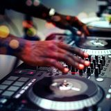 http://www.djkwenda.com.au/wp-content/uploads/2015/12/DJ-Kwenda-Professional-Setup-turntables-in-the-mix-dj-booth-160x160.jpg
