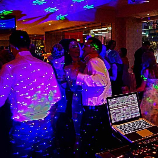 http://www.djkwenda.com.au/wp-content/uploads/2015/12/DJ-Kwenda-Wedding-Reception-Rivers-Edge-Melbourne-540x540.jpg