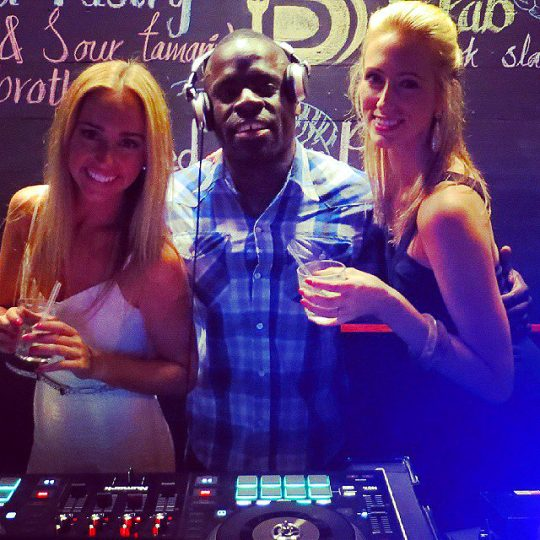 https://www.djkwenda.com.au/wp-content/uploads/2015/12/DJ-Kwenda-beautiful-ladies-from-paramount-liquor-christmas-party-south-melbourne-540x540.jpg