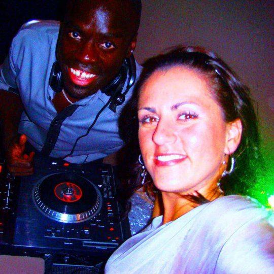 http://www.djkwenda.com.au/wp-content/uploads/2015/12/DJ-Kwenda-setup-booth-girls-selfie-mixer-serato-pioneer-numark-540x540.jpg
