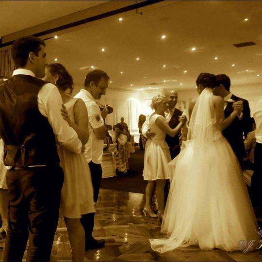 http://www.djkwenda.com.au/wp-content/uploads/2015/12/DJ-Kwenda-wedding-brighton-international-dancing-bride-groom-couple-reviews-540x540.jpg